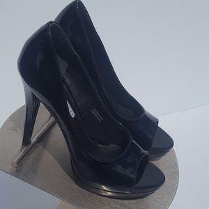 Vera Wang Heels (size 5-1/2) Black PatentLeather